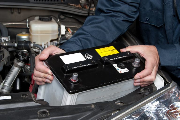 จะรู้ได้อย่างไร ว่ารถยนต์ของคุณควรเปลี่ยนแบตเตอรี่รถยนต์แล้ว ?
